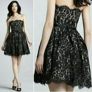 NEIMAN MARCUS Robert Rodriguez Lace Dress Sz 4